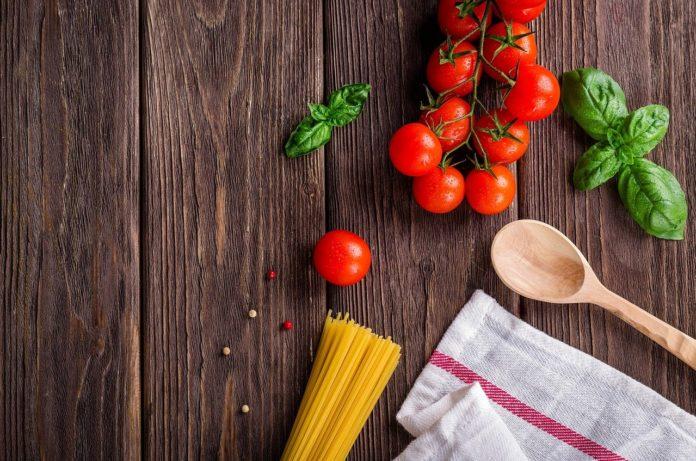 dürfen hunde tomaten essen?