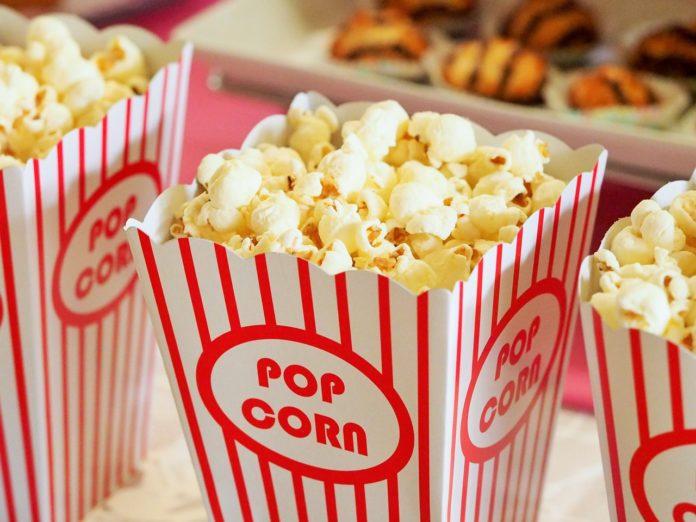 Dürfen Hunde Popcorn essen?